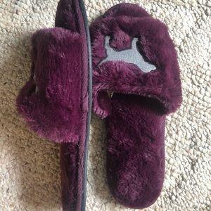 victoria secret fuzzy slippers